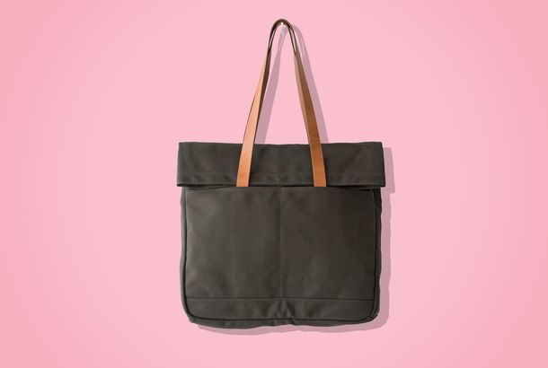 6aad5ef2c89972 If You're Going to Buy One Thing Today, Make It the Makr Weekender ToteIt's  the best tote we've ever used, and it's 20 percent off.