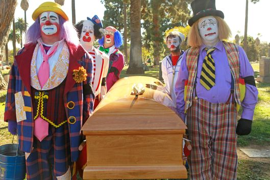 "MODERN FAMILY - ""Send Out the Clowns"" - The funeral service for a beloved clown mentor reunites Cameron with his estranged ex-clown partner, Lewis (Bobby Cannavale); Phil is serious about landing a very important listing, only to get trumped by a notorious bulldozer of an agent, Verna Roth (Ellen Barkin); and Manny has a cool new friend, which makes both Jay and Gloria suspicious, on ""Modern Family."""