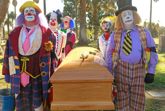 "MODERN FAMILY - ""Send Out the Clowns"" - The funeral service for a beloved clown mentor reunites Cameron with his estranged ex-clown partner, Lewis (Bobby Cannavale); Phil is serious about landing a very important listing, only to get trumped by a notorious bulldozer of an agent, Verna Roth (Ellen Barkin); and Manny has a cool new friend, which makes both Jay and Gloria suspicious, on ""Modern Family,"" WEDNESDAY, MARCH 14 (9:00-9:31 p.m., ET), on the ABC Television Network. (ABC/PETER ""HOPPER"" STONE) ERIC STONESTREET, GUILFORD ADAMS, CHRIS DOLLARD, GARY MORGAN, MICHAEL HEATHERTON"