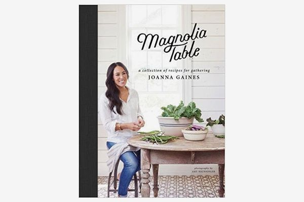 Magnolia Table: A Collection of Recipes for Gathering by Joanna Gaines and Marah Stets