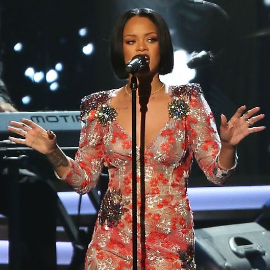 Rihanna Cancels Grammys Performance Last Minute