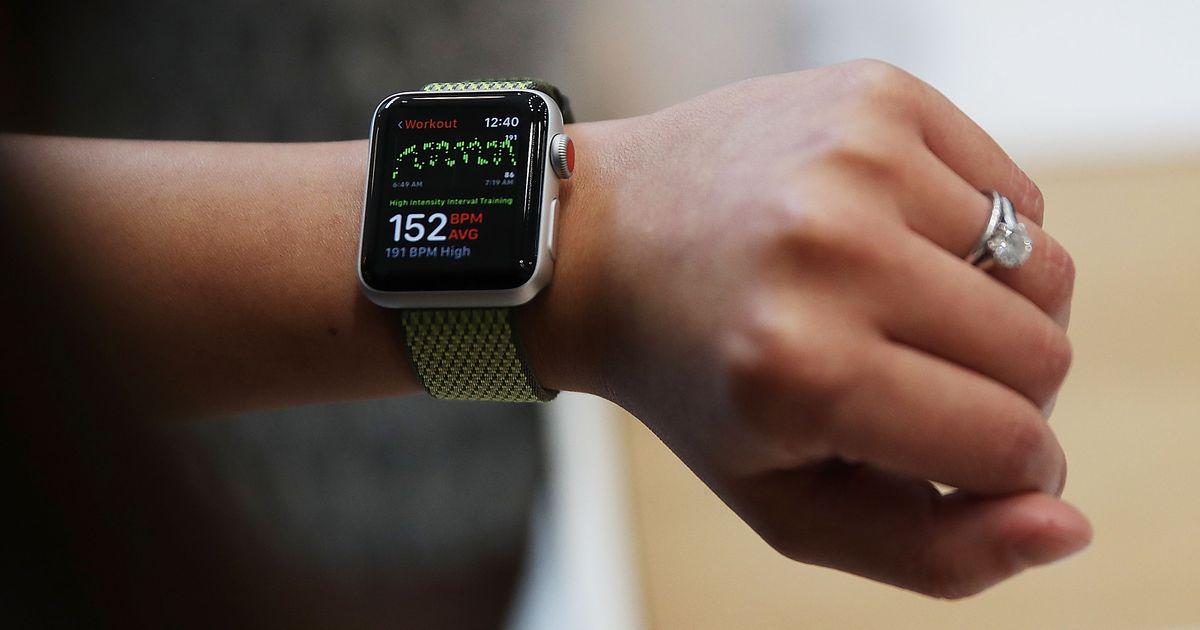 Best Smartwatch: Apple Watch Series 1 or 3