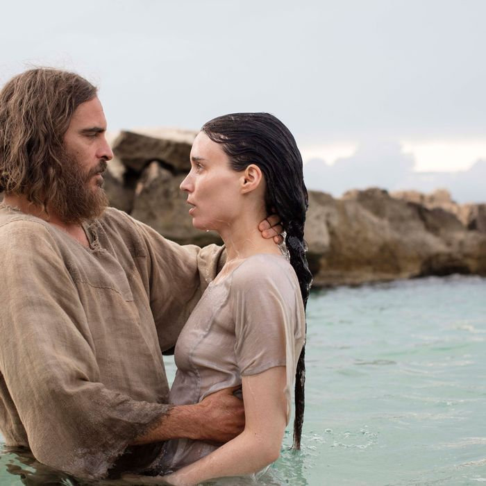 Jesus (Joaquin Phoenix) and Mary Magdalene (Rooney Mara).