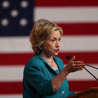 Hillary Clinton Calls On Congress To Lift Cuban Embargo