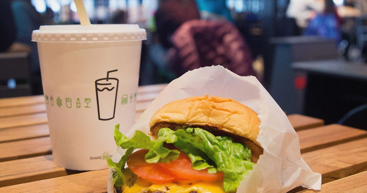 Shake Shack Asks Fast-Food Industry, 'What Recession?'