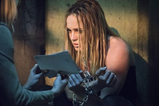 "Arrow -- ""Beyond Redemption"" -- Image AR405B_0300b.jpg -- Pictured: Caity Lotz as Sara Lance -- Photo: Dean Buscher/ The CW -- © 2015 The CW Network, LLC. All Rights Reserved."