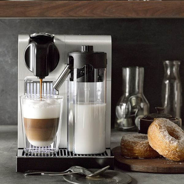 Nespresso De'Longhi Lattissima Pro Espresso Machine