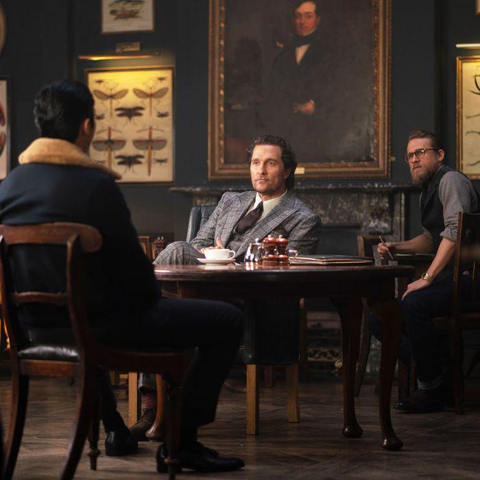 Matthew McConaughey and Charlie Hunnam in The Gentlemen.