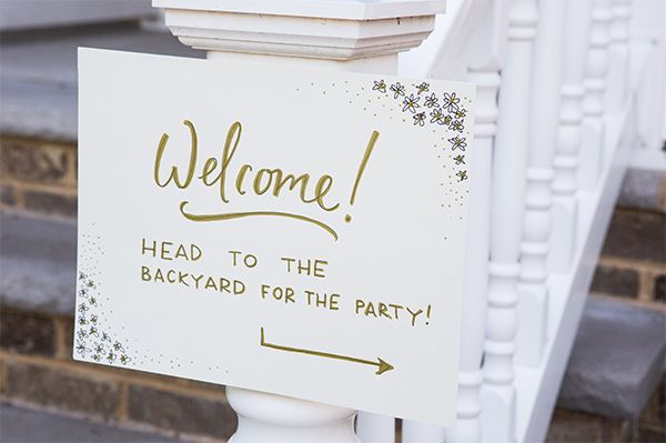 Welcome sign to the party