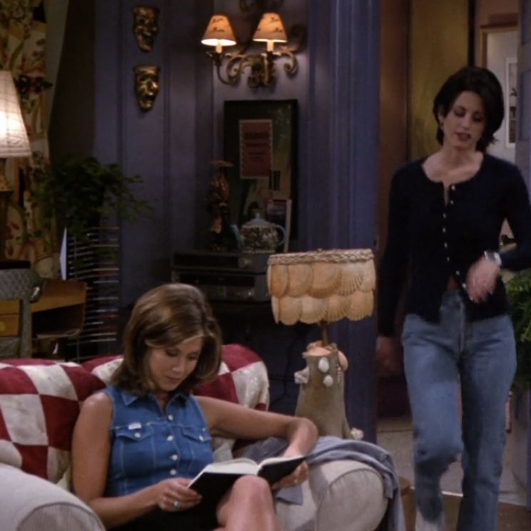 ab315e961ca92 50 of the Best Outfits From All 10 Seasons of Friends