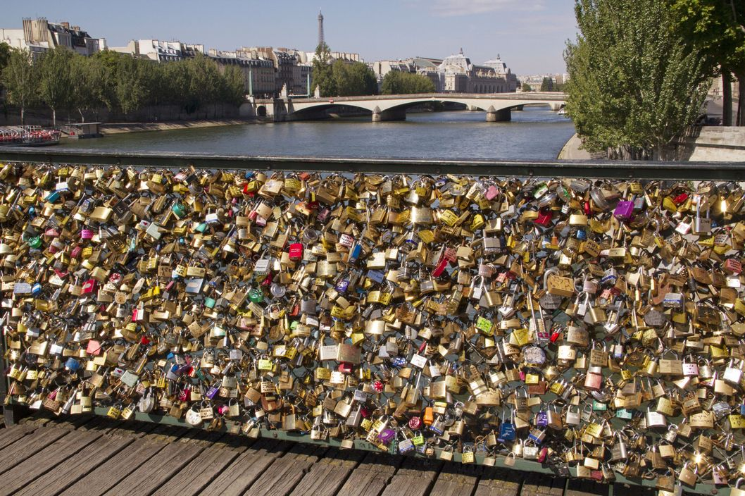 paris bridge collapses from weight of love locks the cut