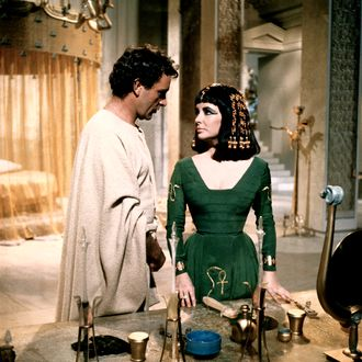 Richard Burton as Marc Antony with Liz Taylor as Cleopatra