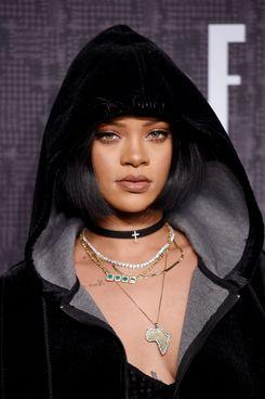 Rihanna, priestess of beauty.
