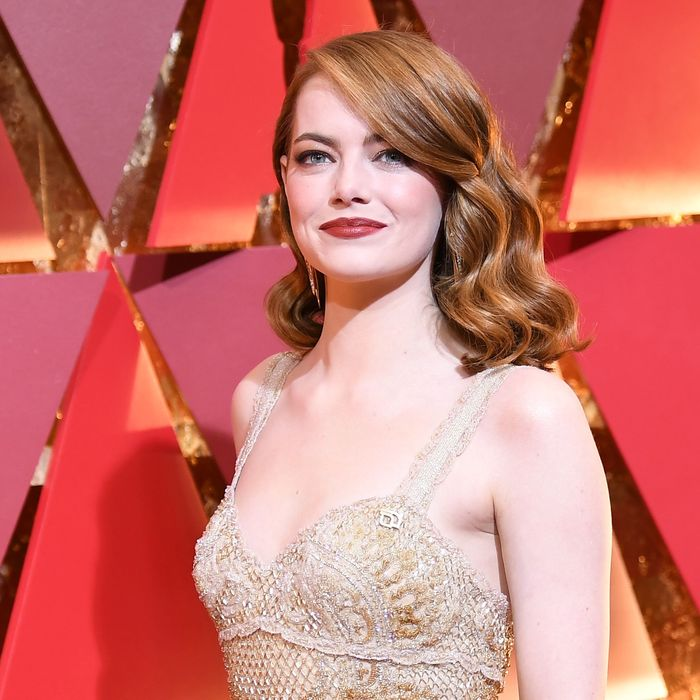 See All Of The 2017 Oscars Red Carpet Looks