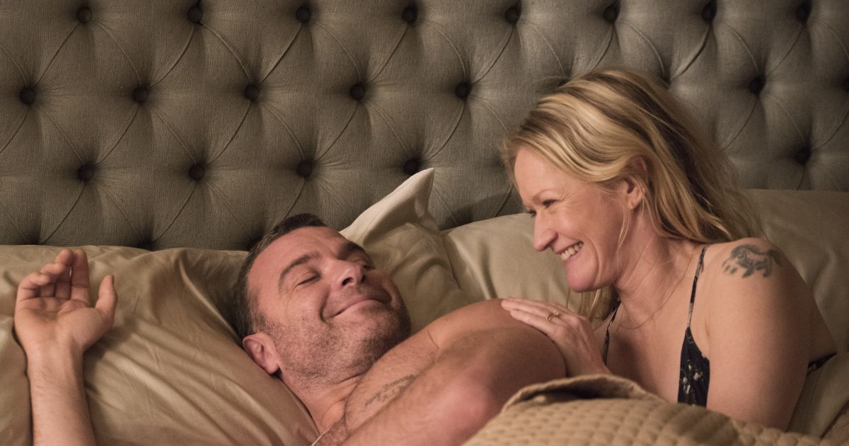 Liev Schreiber as Ray, Paula Malcomson as Abby.