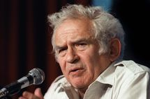 "(FILES) File picture of US writer Norman Mailer addressing the media, 19 May 1987 in Cannes during a press conference as member of the jury of the 40th Cannes film festival. Norman Mailer, famed for his first novel ""The Naked and the Dead,"" died overnight at the age of 84, US media reported, 10 November 2007.                AFP PHOTO   STF/FILES (Photo credit should read STF/AFP/Getty Images)"