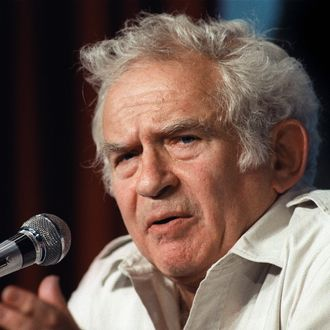 (FILES) File picture of US writer Norman Mailer addressing the media, 19 May 1987 in Cannes during a press conference as member of the jury of the 40th Cannes film festival. Norman Mailer, famed for his first novel