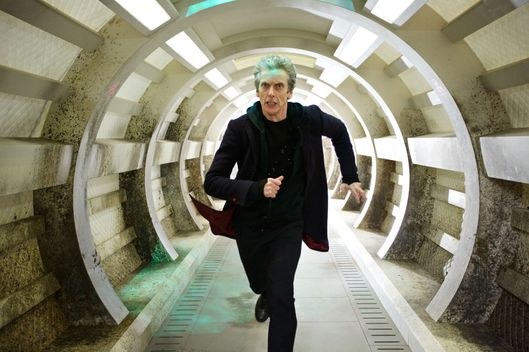 Doctor Who S9 Ep3 Under The Lake