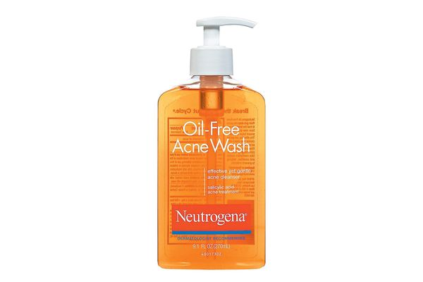 Neutrogena Oil-Free Salicylic-Acid Acne-Fighting Face Wash
