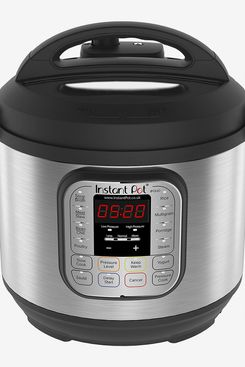 Instant Pot 7-in-1 Electric Pressure Cooker, 6 Qt, 5.7 Litre