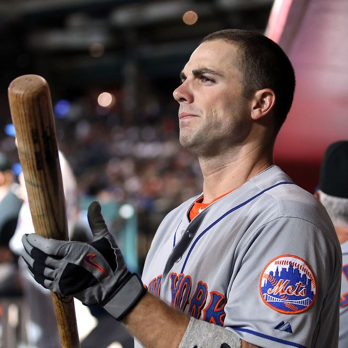 PHOENIX, AZ - AUGUST 13: David Wright #5 of the New York Mets warms up in the dugout during the Major League Baseball game against the Arizona Diamondbacks at Chase Field on August 13, 2011 in Phoenix, Arizona. (Photo by Christian Petersen/Getty Images)