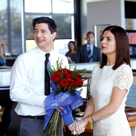 "MARRY ME -- ""Pilot"" -- Pictured: (l-r) Ken Marino as Jake, Casey Wilson as Annie  -- (Photo by: Greg Gaynes/NBC)"