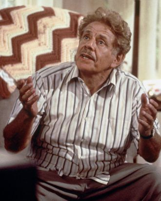 Jerry Stiller S 8 Best Frank Costanza Moments On Seinfeld 200 x 202 png 30 кб. best frank costanza moments
