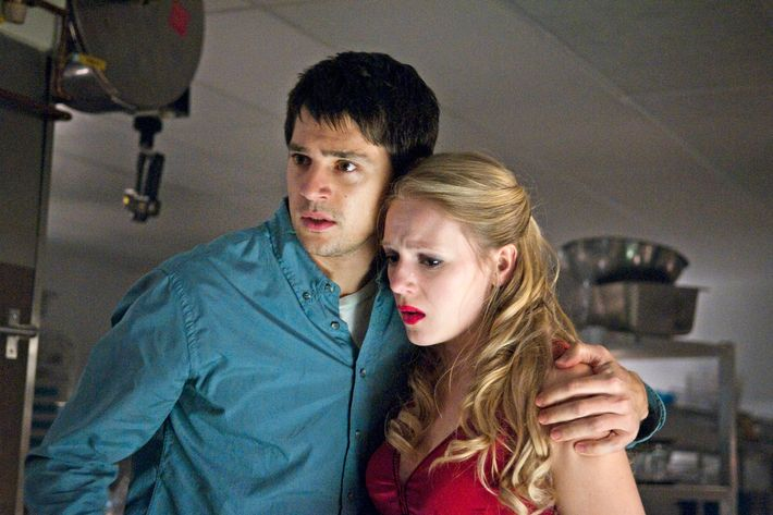 "(L-r) NICHOLAS D'AGOSTO as Sam and EMMA BELL as Molly in New Line Cinema's horror film ""FINAL DESTINATION 5,"" a Warner Bros. Pictures release."