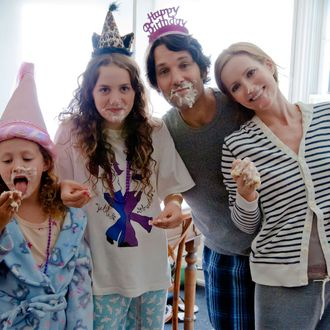 (L to R) Charlotte (IRIS APATOW), Sadie (MAUDE APATOW), Pete (PAUL RUDD) and Debbie (LESLIE MANN) in