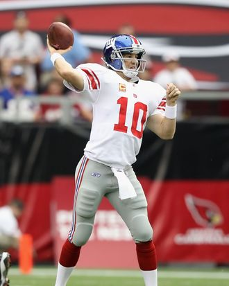 GLENDALE, AZ - OCTOBER 02: Quarterback Eli Manning #10 of the New York Giants throws a pass during the NFL game against the Arizona Cardinals at the University of Phoenix Stadium on October 2, 2011 in Glendale, Arizona. The Giants defeated the Cardinals 31-27. (Photo by Christian Petersen/Getty Images) *** Local Caption *** Eli Manning