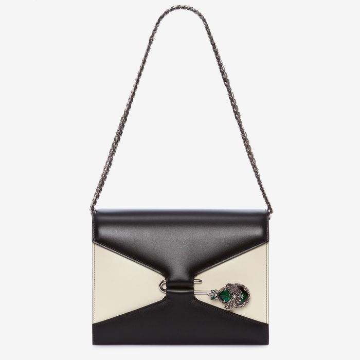 A Bag That Suits My All Black Fall Wardrobe