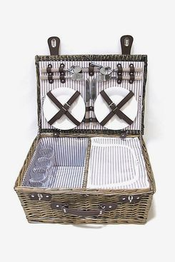 Bee & Willow Picnic Basket with 4 Place Settings