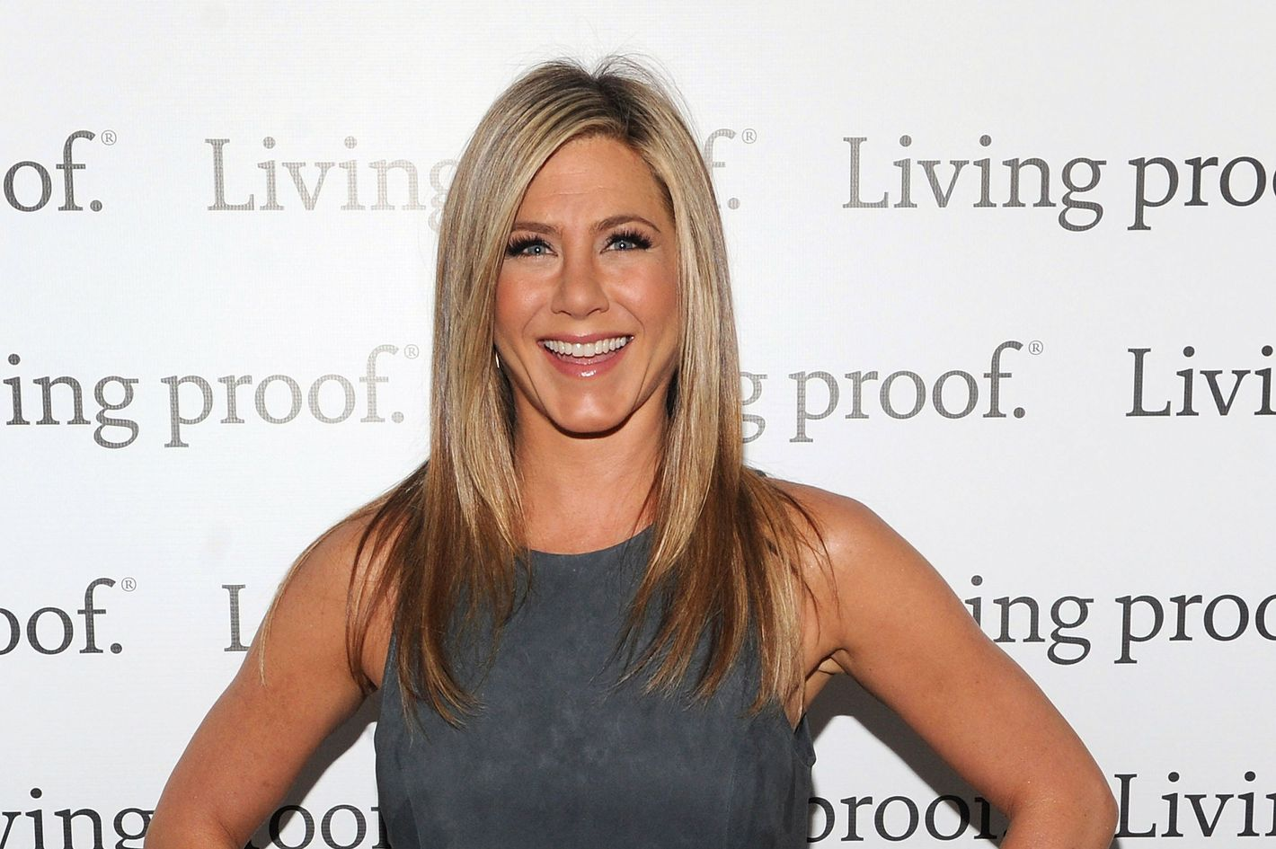 foto ThrowbackThursday: See A 24-Year-Old Jennifer Aniston in Her First FilmRole