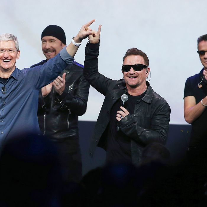Everyone Is Mad at Apple for Forcing Them to Download a U2 Album