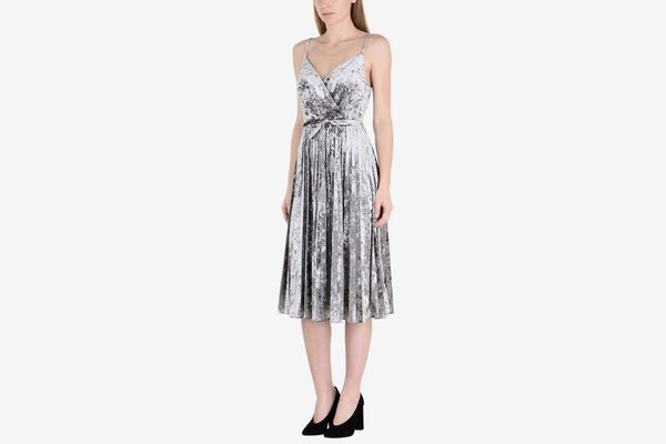 Td True Decadence Short Velvet Dress