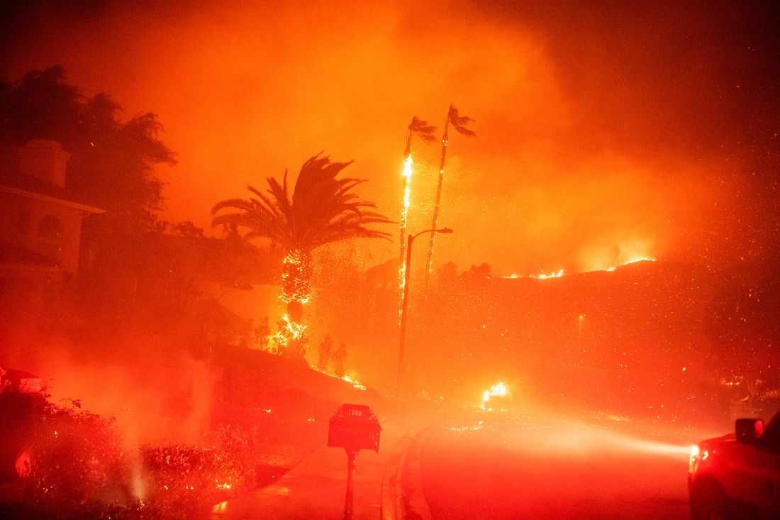 In Era When Hurricanes And Wildfires >> Los Angeles Fire Season Will Never End