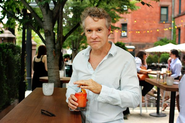 Tate Donovan Knows Where to Find 'Crazy, Crazy, Crazy Good' Bagels and Excellent Hot Dogs