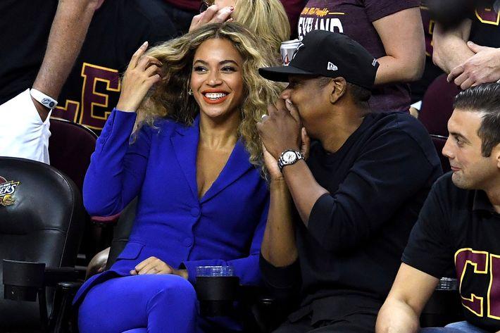 Beyoncé and a fan.
