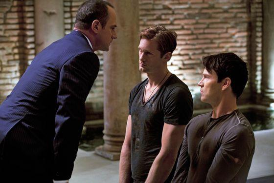 TRUE BLOOD episode 50 (season 5, episode 2): Chris Meloni, Alexander Skarsgard, Stephen Moyer.