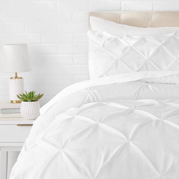 AmazonBasics Pinch Pleat Down-Alternative Comforter Bedding Set - Twin