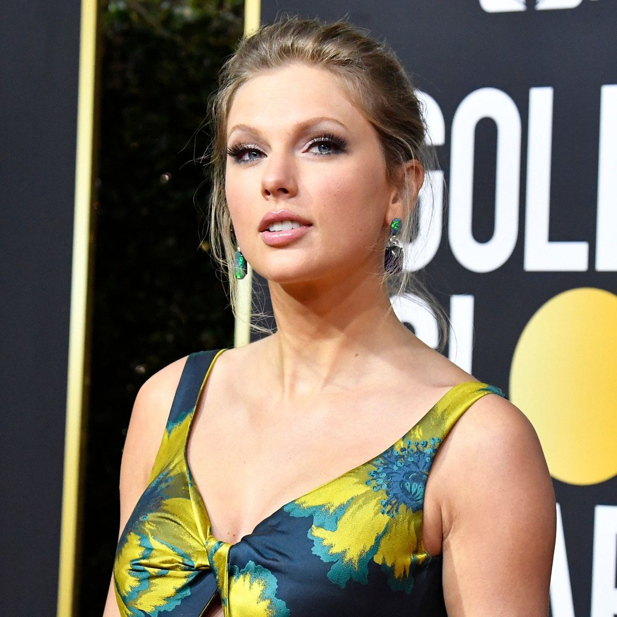 Taylor Swift Heads To 2020 Academy Of Country Music Awards