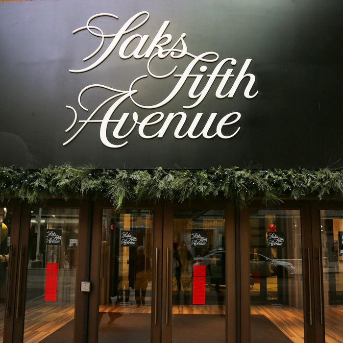 3902ff4e6 Saks Fifth Avenue Brookfield Unveils New Beauty-Floor Plans