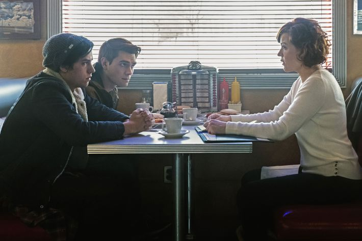Riverdale Recap Season 1 Episode 12 Anatomy Of A Murder