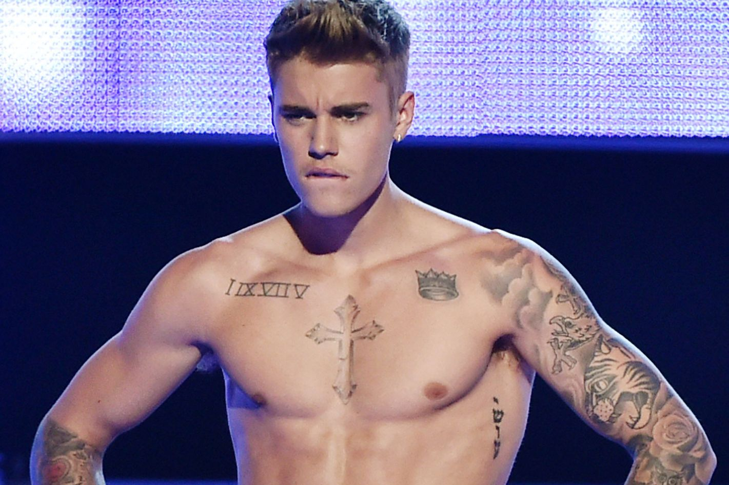 cdad780eb A Complete Guide to All 56 of Justin Biebers Tattoos