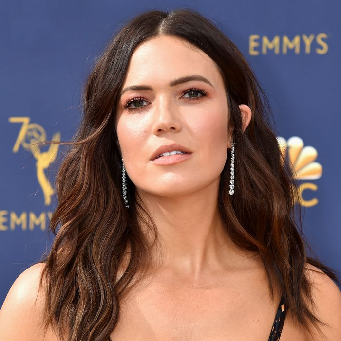 mandy moore wears custom rodarte and beachy waves to emmys