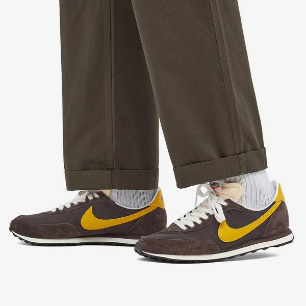 Nike Waffle 2 SP Sneakers (Velvet Brown & White)