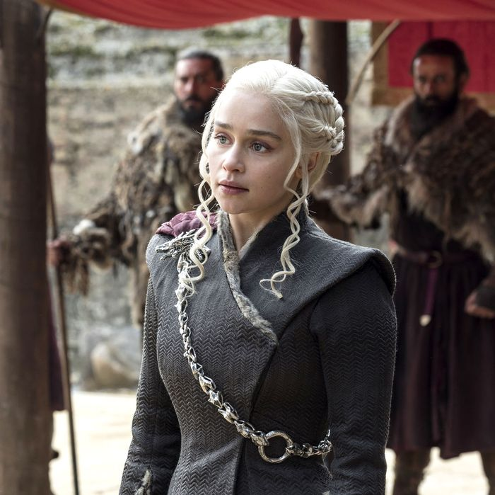 5469094ccc59 25 Questions That Game of Thrones Needs to Answer in Its Final Season