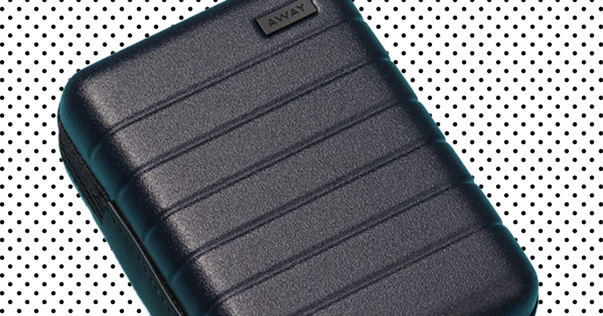 Gift of the Day: The Best Travel Toiletry Case, Ever
