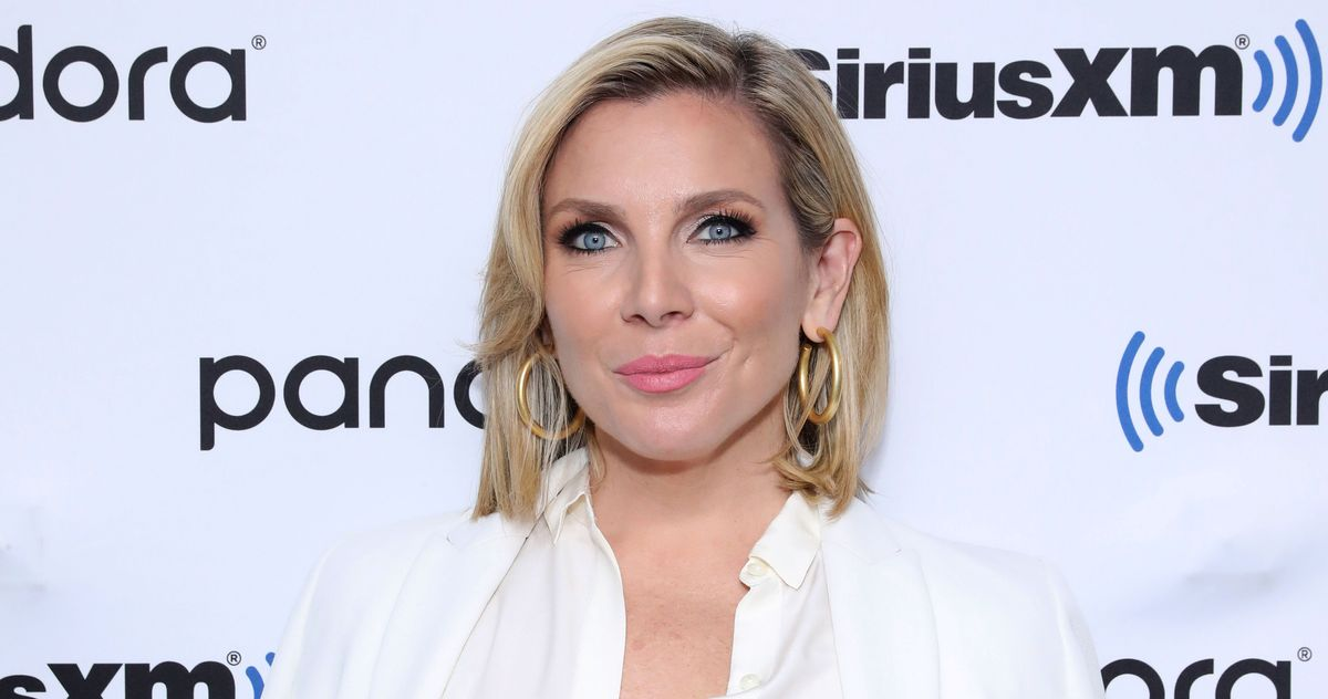 This Week in Comedy Podcasts: June Diane Raphael Loves Joni Mitchell