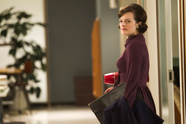 Peggy Olson (Elisabeth Moss) - Mad Men - Season 5, Episode 11 - Photo Credit: Jordin Althaus